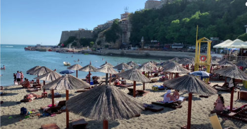TURISTI HRLE NA OVU DESTINACIJU Najljepše pješčane plaže, čisto i toplo more
