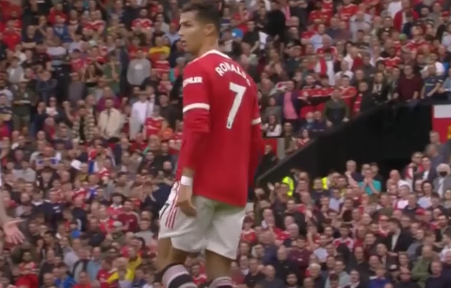 """DOŠLO JE VRIJEME Oglasio se Ronaldo posle debakla na """"Old Trafordu"""""""