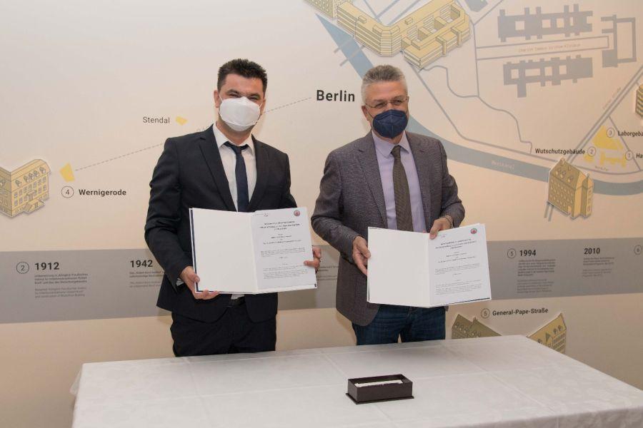 KADROVI IZ INSTITUTA ZA JAVNO ZDRAVLJE NA OBUCI U BERLINU Čelnici institucija potpisali Memorandum o saradnji