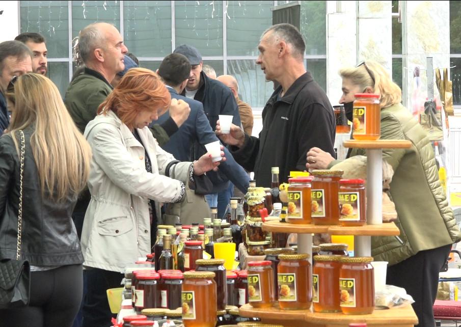 PODGORIČKI DANI MEDA Manifestacija okupila veliki broj pčelara iz cijele Crne Gore