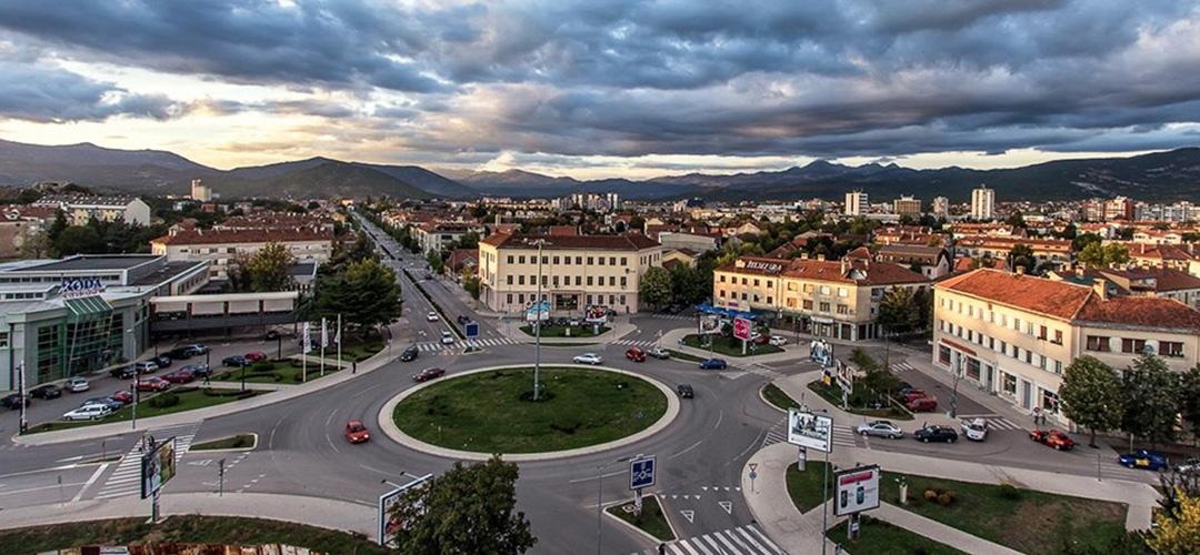 NIKŠIĆANI UZ BRAĆU SA KOSOVA Skup podrške Srbima!
