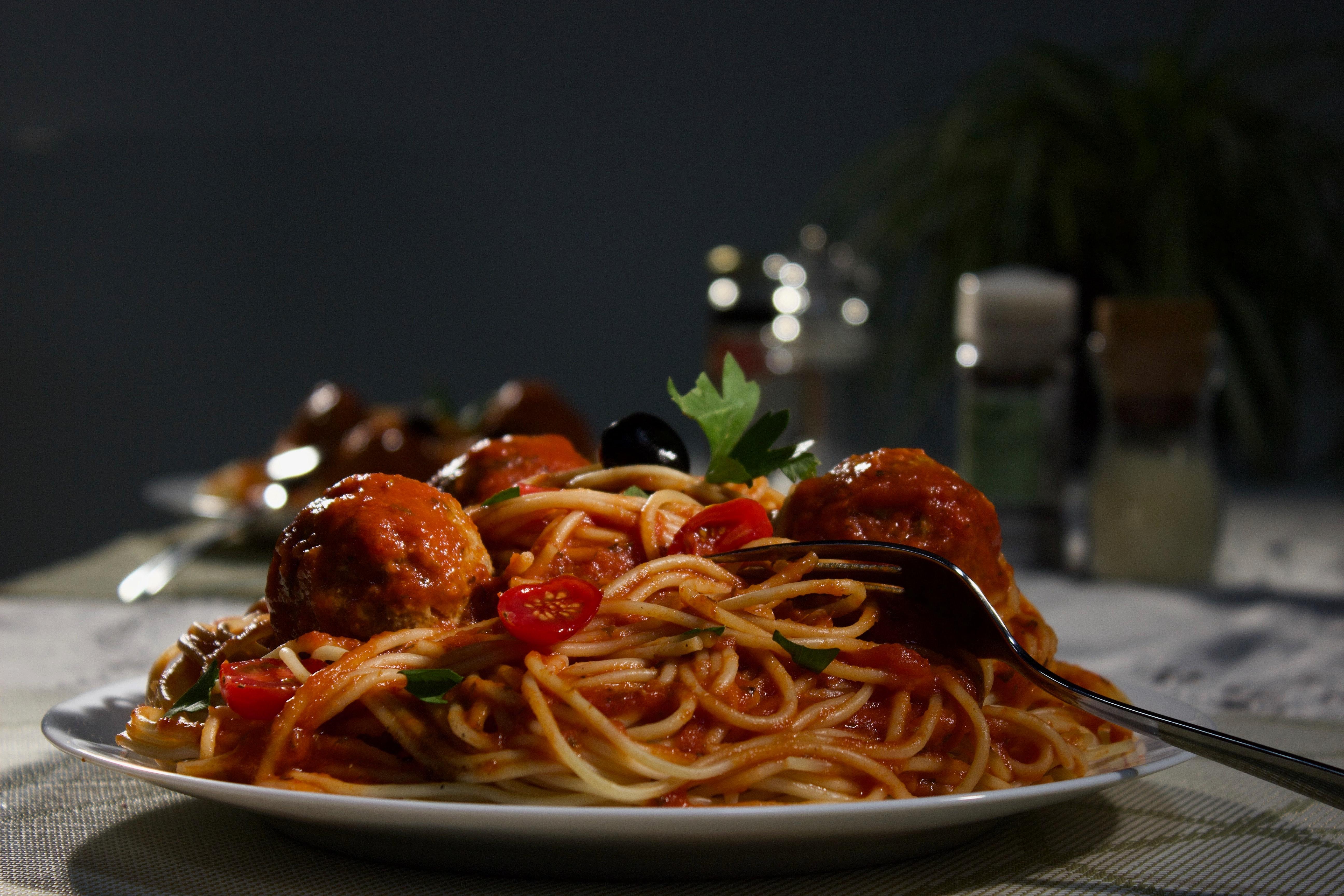 """Ručak """"nabrzaka"""": ŠPAGETE u kremastom paradajz-sosu koje ćete iznova praviti"""