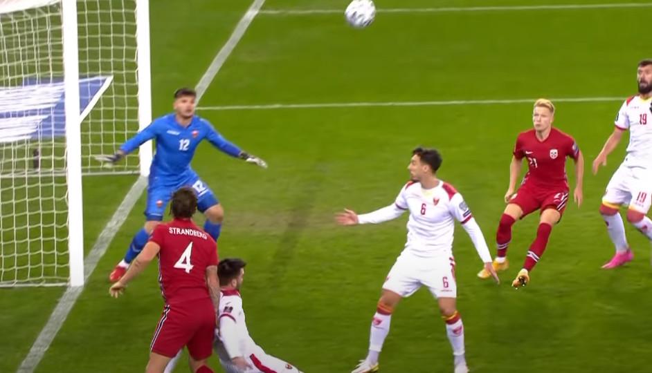 PRED MEČ SA HOLANDIJOM Loše vijesti za Crnu Goru, od FIFA stigla paprena novčana kazna!