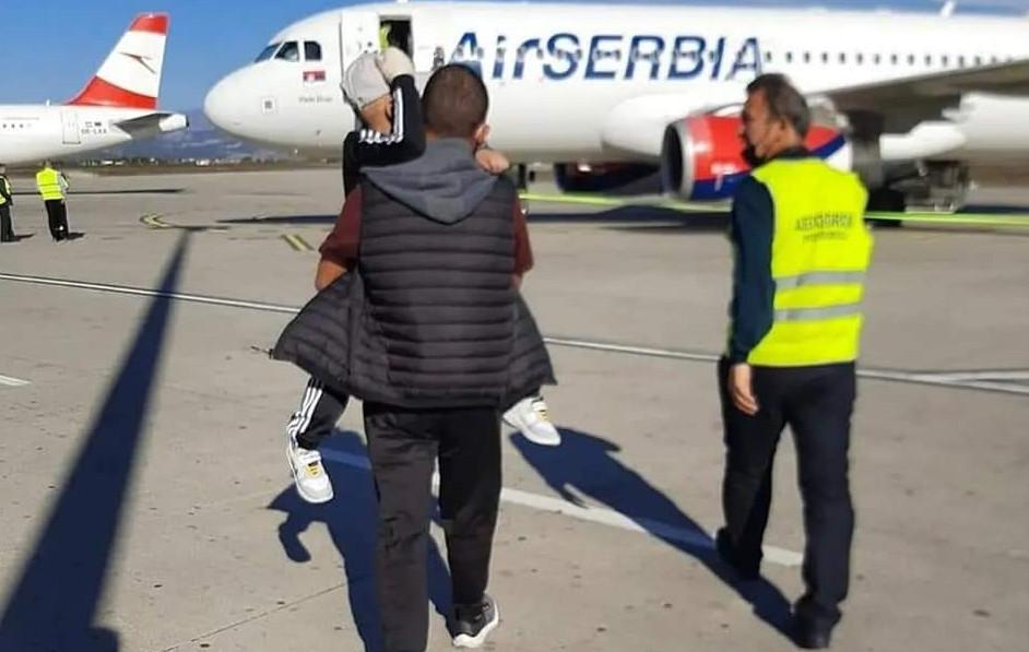 SREĆAN PUT! Dječak Maksim Đukić iz Berana otputovao na liječenje u Italiju