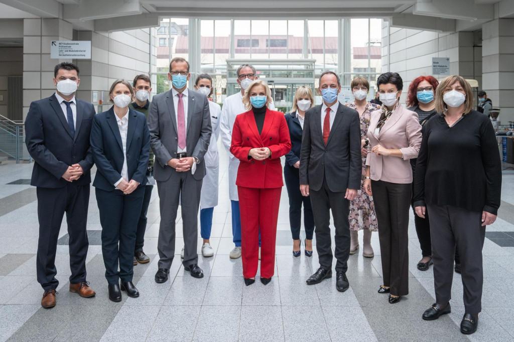 BOROVINIĆ BOJOVIĆI DIREKTORICA KCCG U BERLINU Liječenje pacijenata će biti usklađeno sa evropskim preporukama