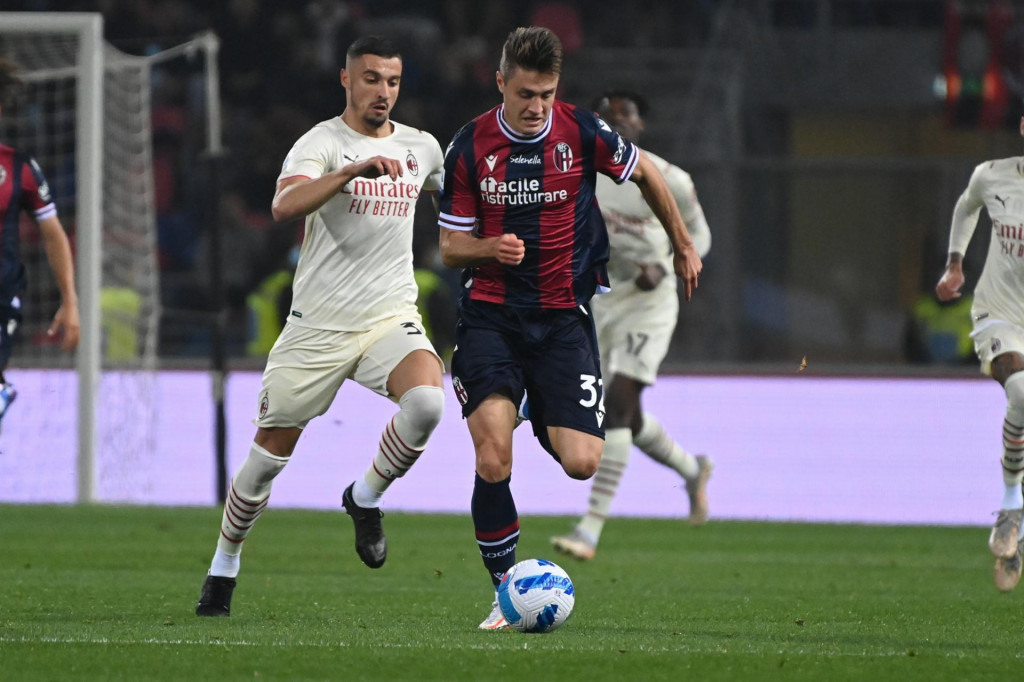 ON JE REŠENJE? Milan naciljao napadača za titulu!