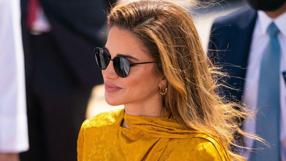 MODNE IKONE Izdanje kraljice Ranije za susret s najbolje obučenom ženom svijeta